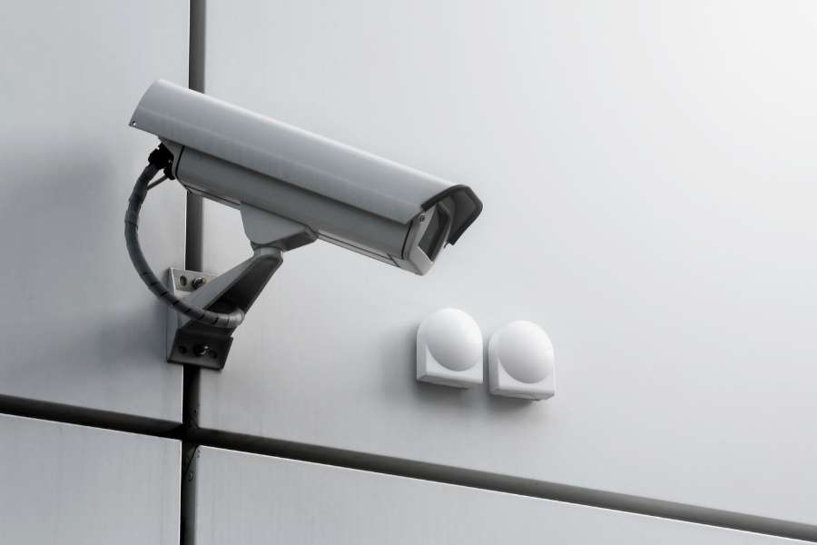 difference between dvr and nvr security camera systems